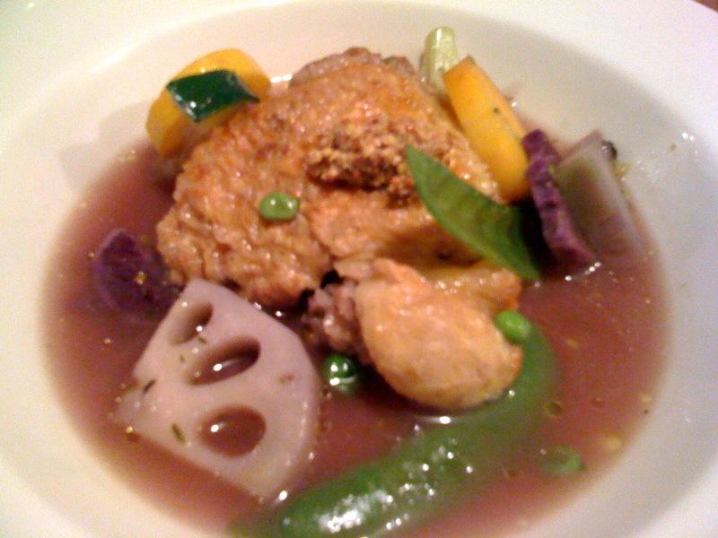 ホロホロ鶏モモ肉のブロード煮